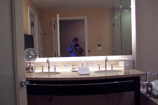 Agua Caliente Casino Resort Spa: Double sinks & me