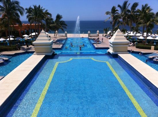 Huge pools and great activities.