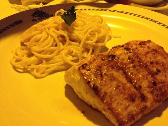 El Galeon: filete de dorado con pasta!