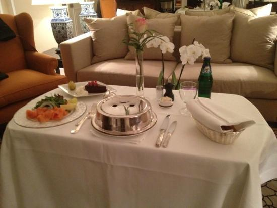 Baur au Lac: room service las 24hs,rapido y exelente