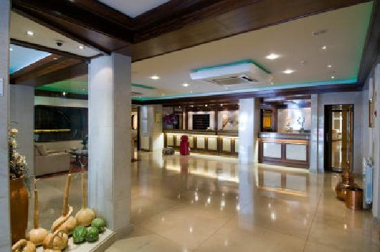 Hotel Regina: RECEPÇÃO