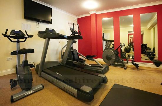 Emlyn Hotel: Gym