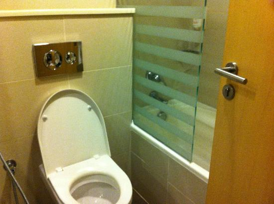 Citymax Hotels Bur Dubai: Bathroom