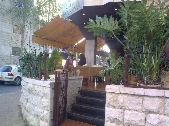 Cafe de la Paix: again the terrace
