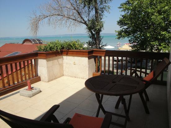 Mala Garden Hotel: The terrace outside our room