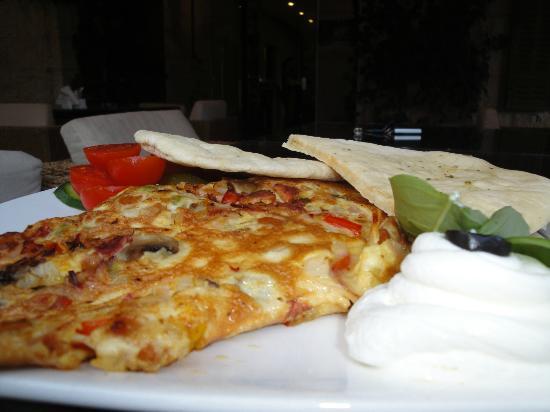 Cafe de la Paix: De La Paix well-known breakfast