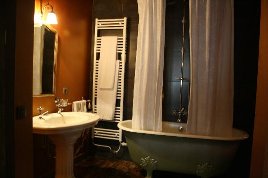 Le Coup de Coeur: Baño de la habitación 1