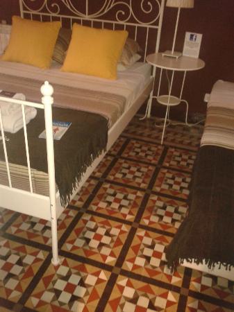 Casa Maca Guest House: De originele antieke tegels