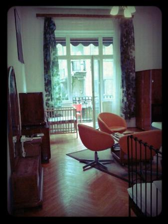 Aventura Boutique Hostel: De woonkamer
