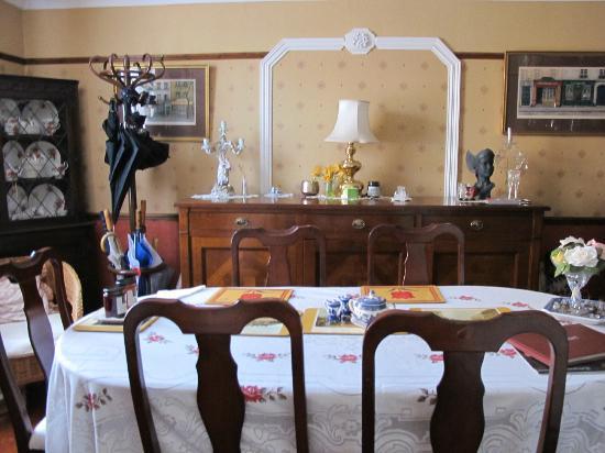 Huntington House: Breakfast room