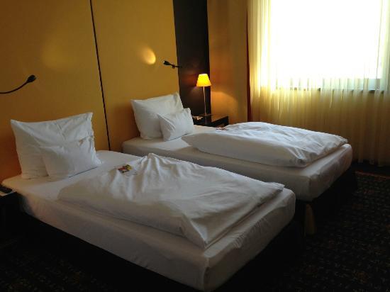 Vienna House Easy Pilsen: my twin room