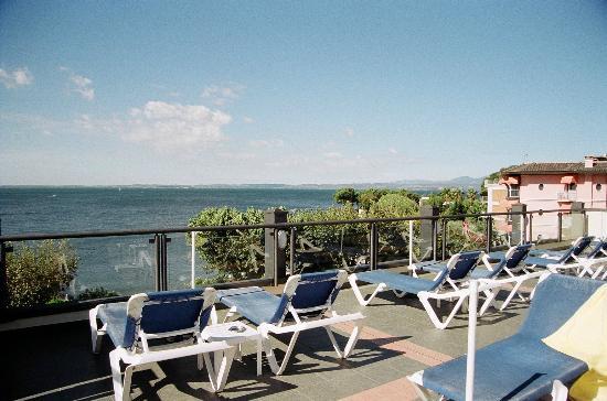 Hotel Villa Letizia: Dachterrasse mit Blick auf den See