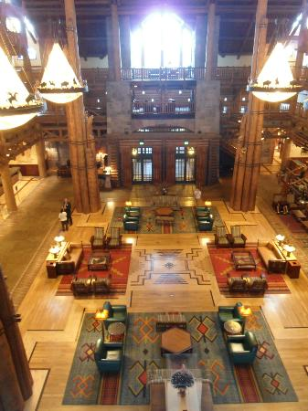 Disney's Wilderness Lodge: Hotel Lobby