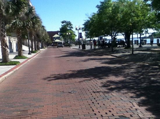 Historic District: Riverwalk