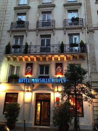 Hotel Louvre Marsollier Opera: Front of the Hotel