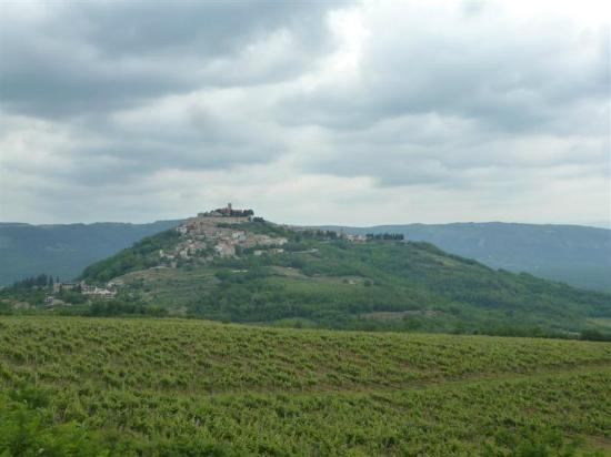 View approaching Motovun