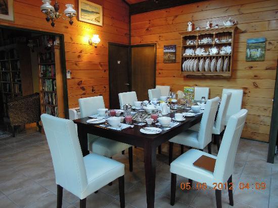 Mokoia Downs Estate B&B: Dining table