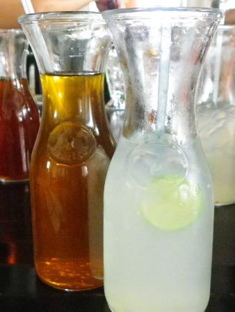 Bella Restaurant: Iced lemon tea and fresh lime juice at Bella Italia Jesselton