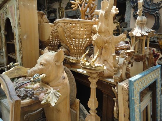 Guido Bartolozzi: Wooden piglet