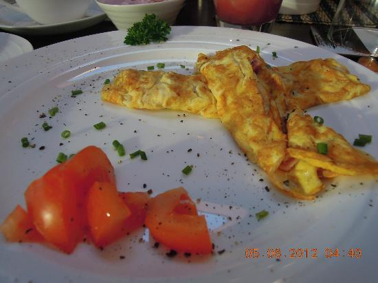 Mokoia Downs Estate B&B: Omelette