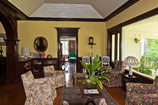 Brimmer Hall Estate: Interior of house 1