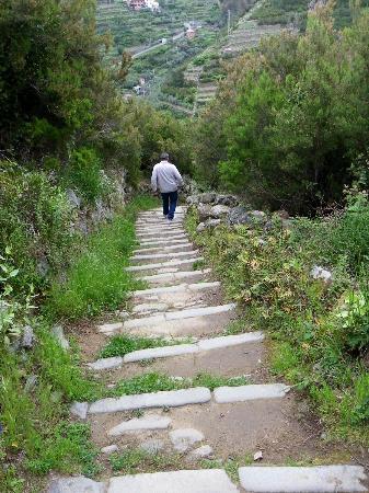 Il Carugio: Walking trail from Volastra to Manderola