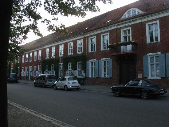 Hotel zum Hofmaler: Street scene