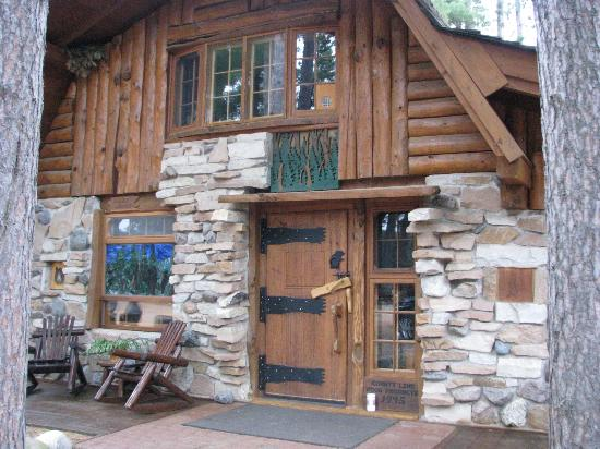 Big Bear Hideaway: The Grizzly Cabin