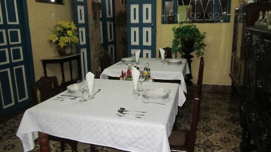 Villa Colonial Frank y Arelys: Comedor