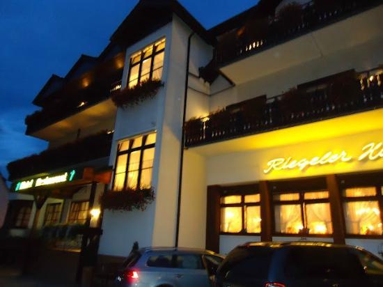 Hotel Restaurant Riegeler Hof : el hotel muy bonito