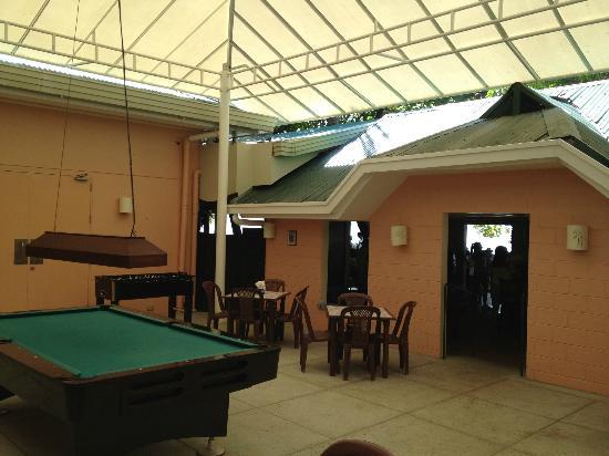 Camayan Beach Resort and Hotel: Billiards