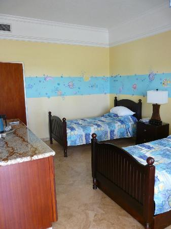 The Buccaneer St Croix: Family Cottage (Kid's Room)