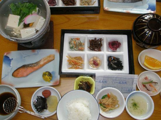 Ryusenkaku : 盛り合わせただけの朝食?