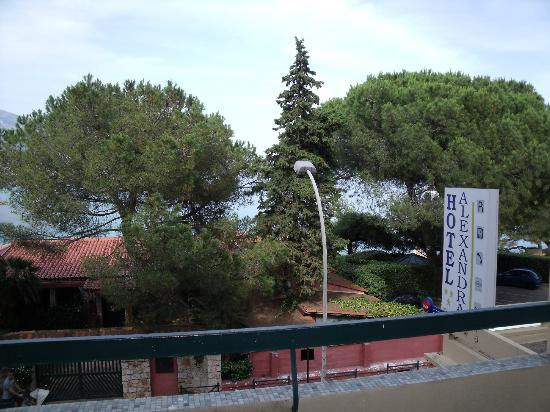 Hotel Alexandra: vue de la chambre au 1er etage