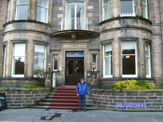 BEST WESTERN Inverness Palace Hotel & Spa: The front of the Inverness Palace Hotel