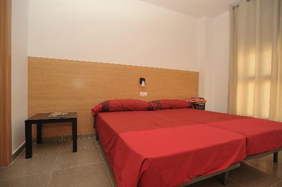 Apartamentos Marina Suites : Hochwertige Schlafmoebel