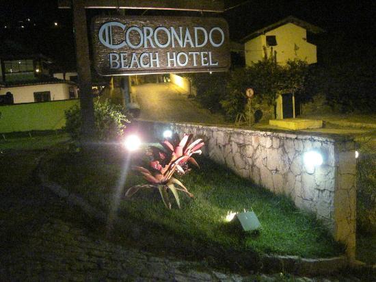 Coronado Beach Hotel: Entrada del hotel