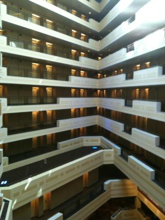Sheraton Springfield at Monarch Place: atrium