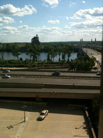 Sheraton Springfield at Monarch Place : view!