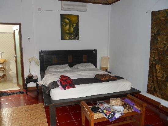 Tropical Bali Hotel: chambre