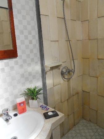 Tropical Bali Hotel: salle de bain
