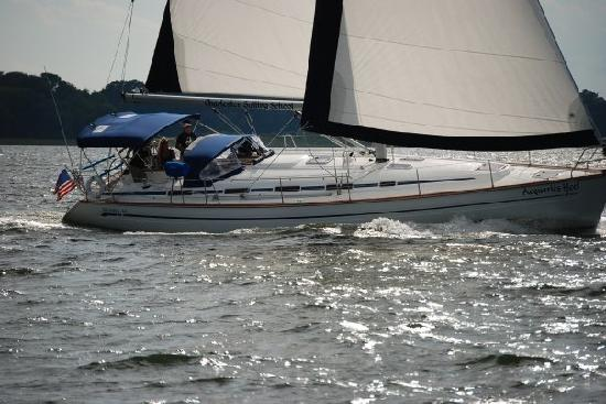 Charleston Sailing School: Beautiful day for a sail onboard our Bravaria 44
