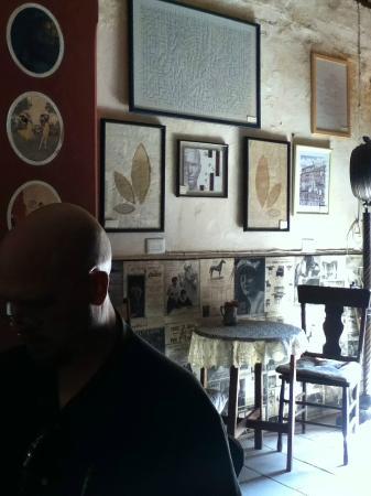 La Prensa Francesa Cafe: Cozy ambiance