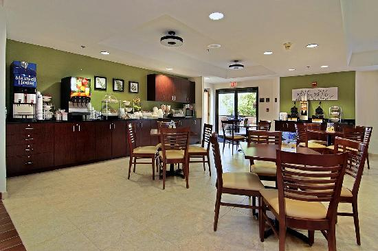 Sleep Inn at North Scottsdale Road: Breakfast Area