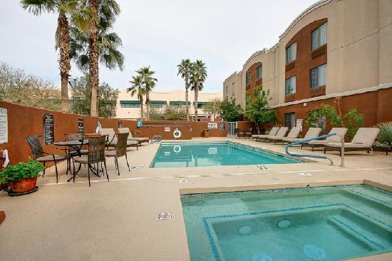 Sleep Inn at North Scottsdale Road: Pool Area
