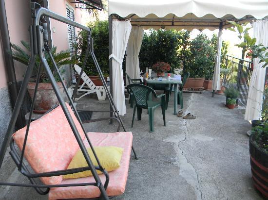 Finestra sul Mare: patio area