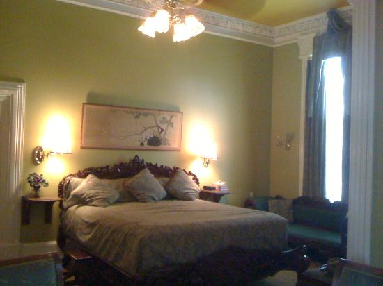 The Southern Mansion: Our room, King Deluxe