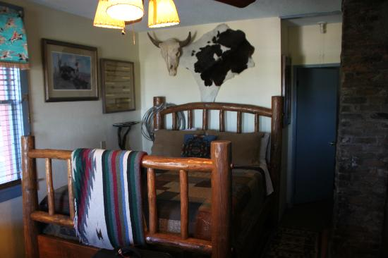 Ghost City Inn: Western Room