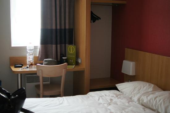 B&B Hotel Avignon 2: camera