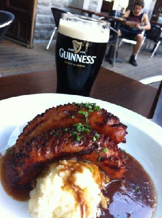 Irish Embassy Pub & Grill